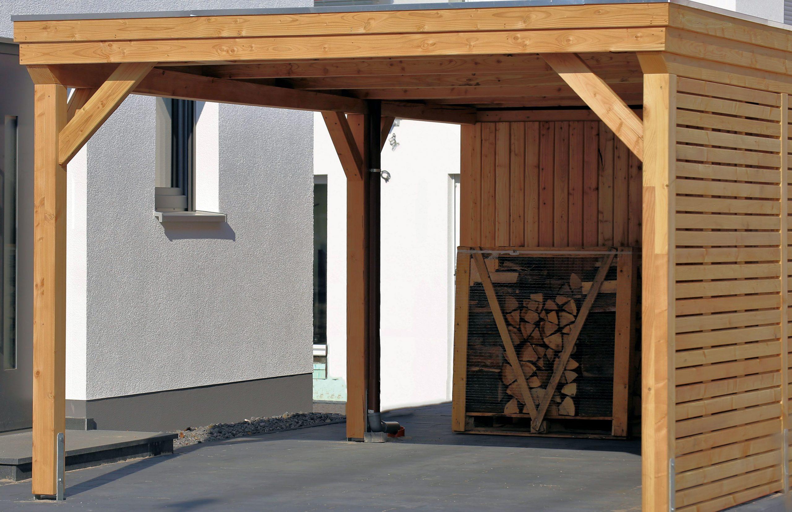 Carport aus Holz oder Metall